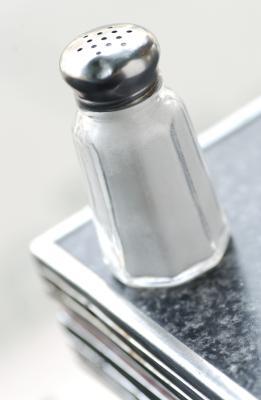 Los productos químicos en la sal, pimienta y azúcar