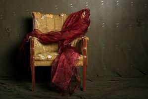 Cómo identificar el periodo de tiempo de una silla antigua