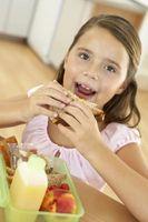 El almuerzo escolar vs. El almuerzo Bolsa de Guarderías