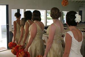 La dama de honor de la boda peinados rizados
