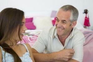 Cómo acercarse a su padre acerca de un novio