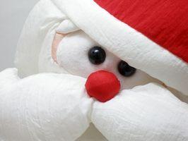 Cómo crear una piñata de Santa Claus