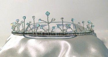 Cómo hacer una tiara de la boda de la flor