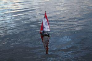 Cómo hacer un barco de juguete fuera de la Madera