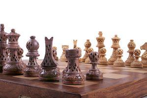 Valor de marfil tallado piezas de ajedrez