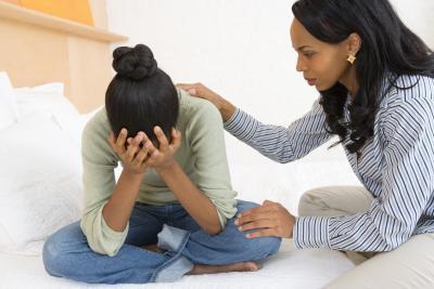 Qué decir a una hija adolescente después de una ruptura