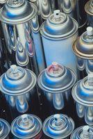 ¿Qué tres factores que afectan la presión del gas en un recipiente cerrado?