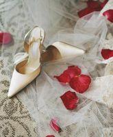 Cómo hacer un kit de emergencia de novia para su boda
