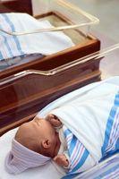 Cómo envolver un bebé recién nacido