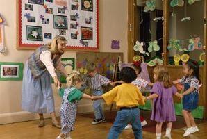 """Cinco monitos"" Actividades de jardín de infancia"