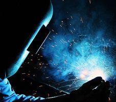 Cómo detener el agrietamiento de la soldadura de hierro fundido