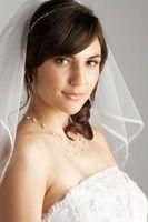 Cómo aplicar ajuste de la cinta de un velo de novia