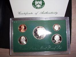 ¿Se puede saber la diferencia entre una prueba de plata y monedas de una prueba con revestimiento de la moneda?