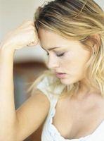Cómo ayudar a amigos a través de una crisis emocional