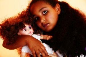 Cómo hacer una muñeca de colección gótico