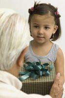 Cómo enseñar a los niños la alegría de Gifting