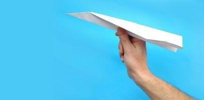 Cómo hacer aviones de papel sin cortar o arrancándolos