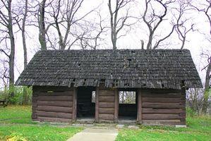 Cómo hacer una cabaña de madera en miniatura
