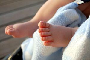 Cómo cambiar el pañal de un niño