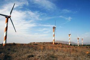 Cómo hacer una turbina de viento con los productos comunes de la casa