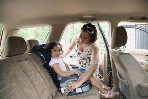 Cómo conectar el respaldo de un asiento para niños de Graco