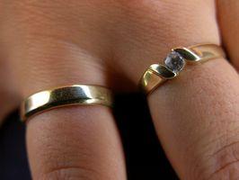 ¿Cuál es el significado detrás del cambio de alianzas de boda?