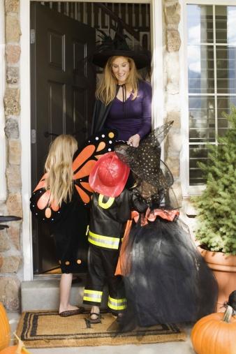 Ideas para hacer los trajes de Halloween de las mujeres en el hogar