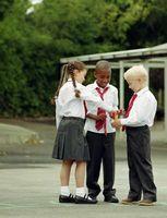 Domingo Juegos escolares que imparten un uso compartido