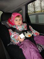 Cómo hacer una cubierta para un niño de los asientos del coche