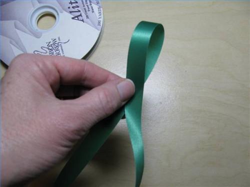 Cómo hacer cintas para los ramilletes