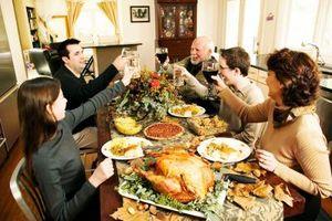 Cómo expresar el reconocimiento de recibimiento de un almuerzo o cena
