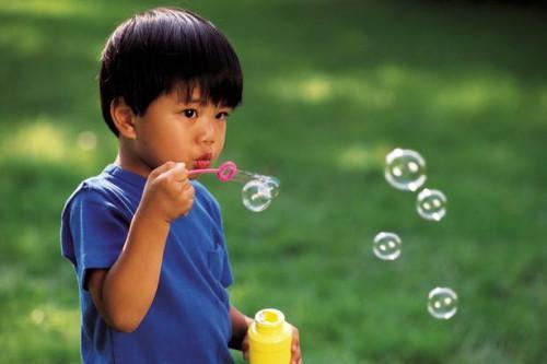 Cómo hacer que la burbuja varitas Fuera de limpiadores de pipa