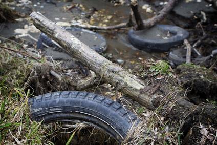 Cómo Derretir neumáticos de caucho