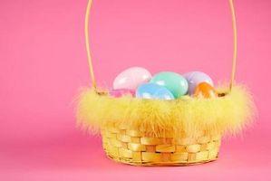 Cómo color de los huevos con un lazo
