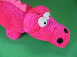 Cómo hacer juguetes de paño grueso y suave polar