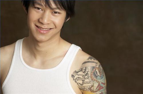 Cómo desalentar una adolescente hace tatuajes