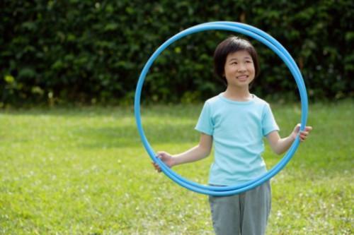 Cómo hacer anillos olímpicos con aros de Hula
