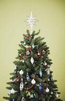 Cómo mantener vivo un árbol de navidad que mira Alive