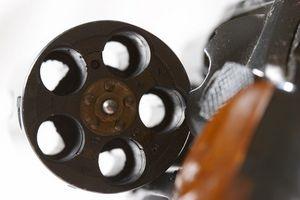 Cómo limpiar acero inoxidable revólveres