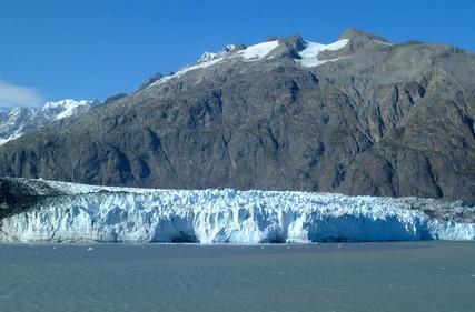 ¿Cómo puedo encontrar información sobre las concesiones mineras de Alaska?