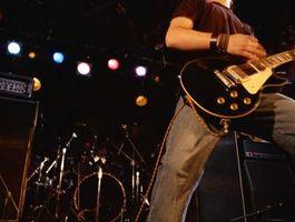 Cómo conectar los instrumentos sobre el Rock Band 2 para Wii