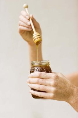 Cómo extraer la miel de abeja
