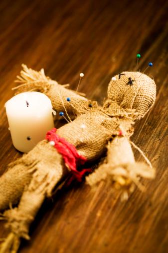 Cómo obtener la muñeca del vudú en Piratas del Caribe