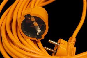 Cómo calcular el calibre del alambre necesario para hacer un cable de extensión