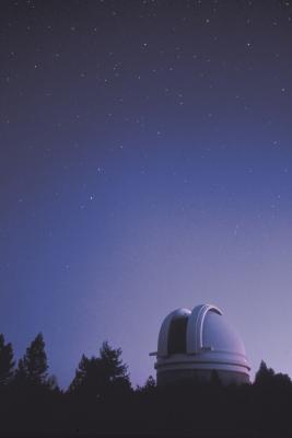 Las ventajas y desventajas del uso de un telescopio Planta-Basado