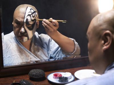 ¿Cómo hacer maquillaje de Cosplay