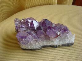 ¿Qué tipos de cristales se encuentra en geodas?
