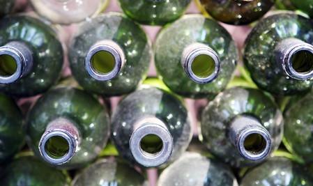 ¿Dónde puedo ir a Gana dinero por latas de aluminio y botellas de vidrio?