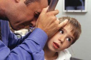 Oídos tapados y el comportamiento en niños