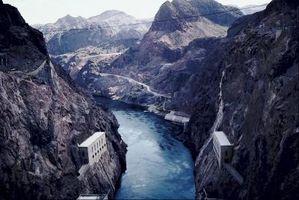 ¿Qué partes del ciclo hidrológico (ciclo del agua) Poner agua en el río?